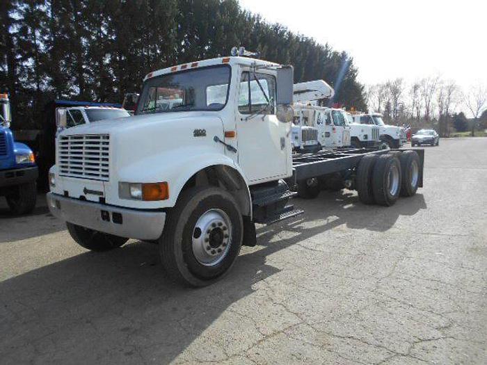 Used 2000 International 4900