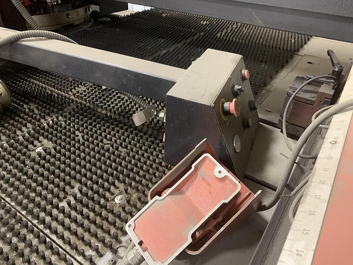 2005 22 Ton Amada Vipros 255 CNC Turret Punch