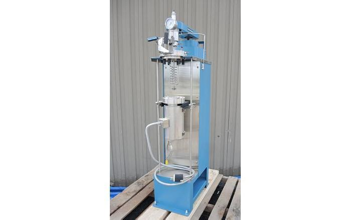 Used USED 1 LITER TANK (REACTOR/AUTOCLAVE), 316 STAINLESS STEEL, ELECTRICALLY HEATED JACKET