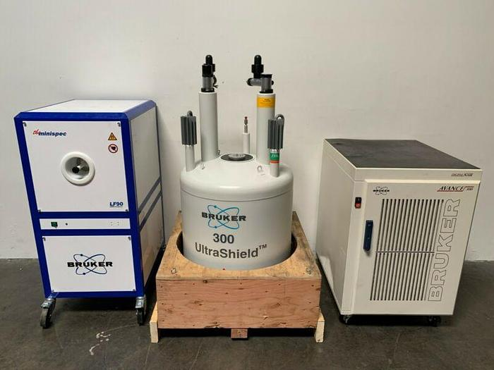 Used Bruker Avance 300 Digital NMR Spectrometer w/ 300 Ultrashield LF90 NMR Analyzer