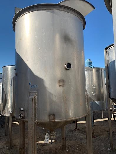 500 Gallon Vertical Stainless Steel Tank