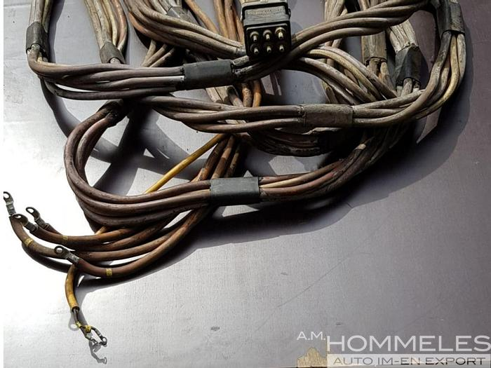 Used 400hz gpu output cable
