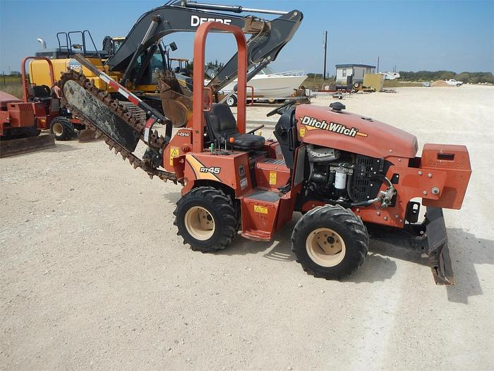 Used 2014 DITCH WITCH RT45