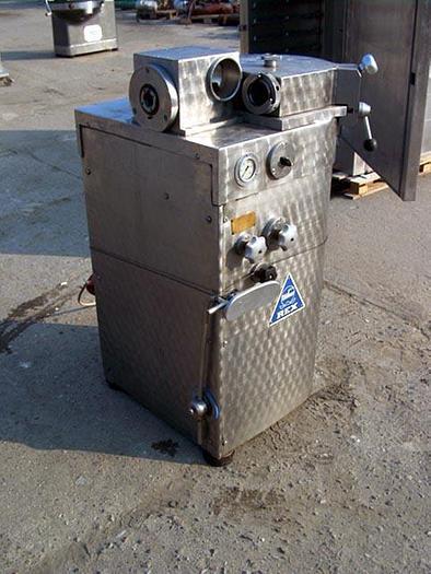 Używane Nadziewarka hydrauliczna z odkręcarką Düker Rex