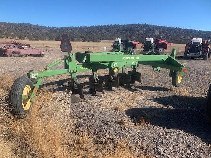 Used John Deere 965 Switch Plow - 5 Bottom