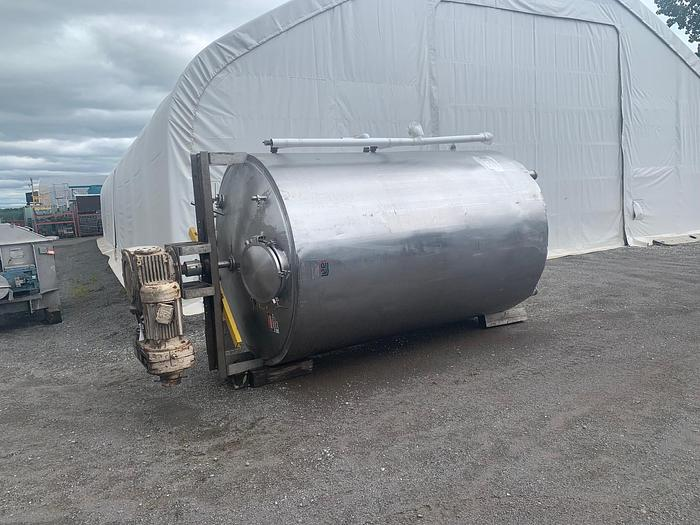 Used USED 2000 GALLON JACKETED TANK, STAINLESS STEEL, WITH SCRAPE AGITATION