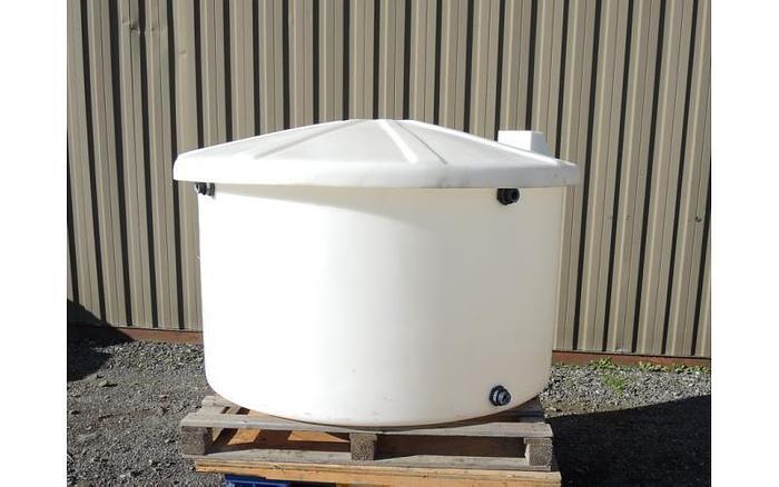 USED 160 GALLON TANK, PLASTIC