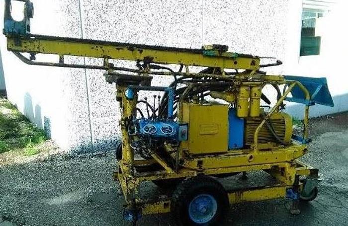 Usata Perforatrice Elettrica, ATLAS COPCO modello 250 - senza rotore - con pompa fanghi