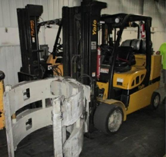 """Used 12,000 POUND YALE ROLL CLAMP TRUCK W/ 72"""" CASCADE CLAMP"""