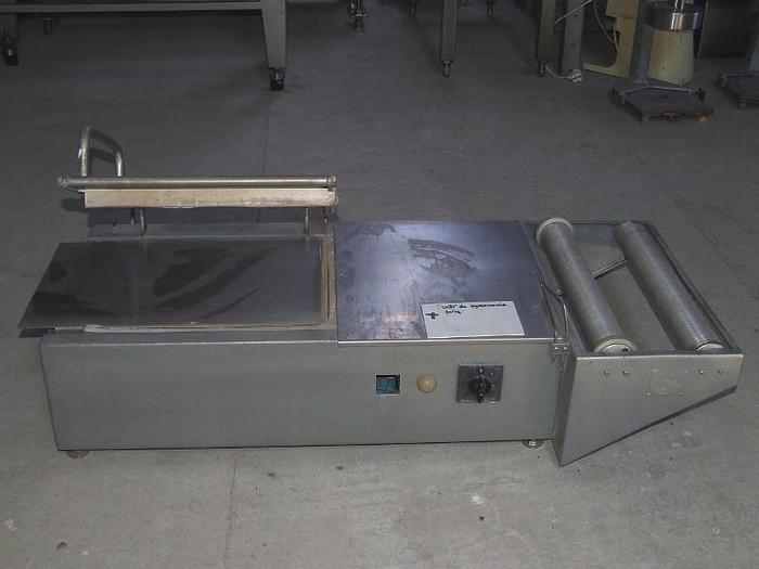 Używane Stół do pakowania w folię ze zgrzewem wzdłużnym i kątowym