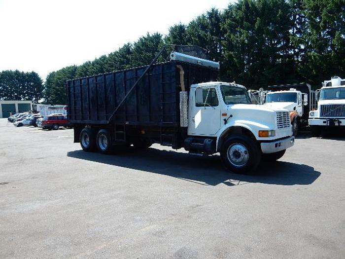Used 2002 International 4900- Stock #: 8656