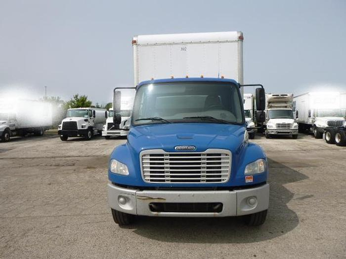 Used 2014 FREIGHTLINER M2 BOX TRUCK 26 FT
