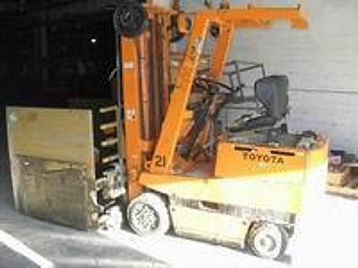 """Used Toyota 2FBCA15 Electric Forklift, 2,380 Lb, 197"""" Lift"""