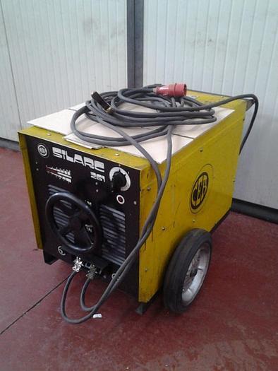 Usata Saldatrice ad elettrodo CEA SILARC 261