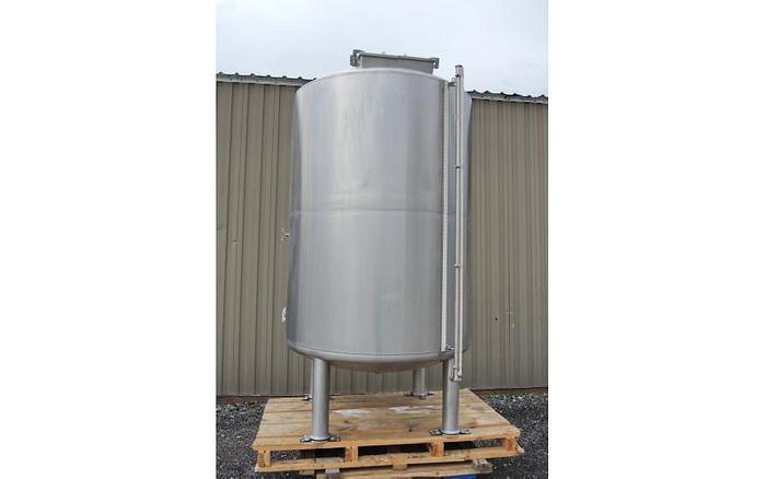 Used USED 700 GALLON TANK, STAINLESS STEEL, INSULATED