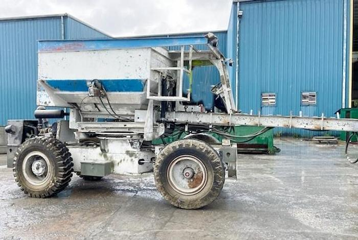 Used 2005 Tuckerbilt T630 Concrete Mix Transporter