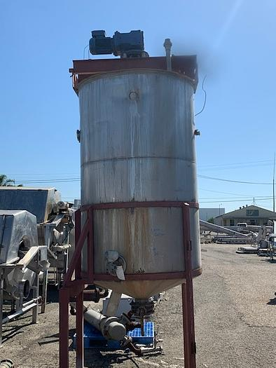 Used 1000 Gallon Vertical Agitated Stainless Steel Tank