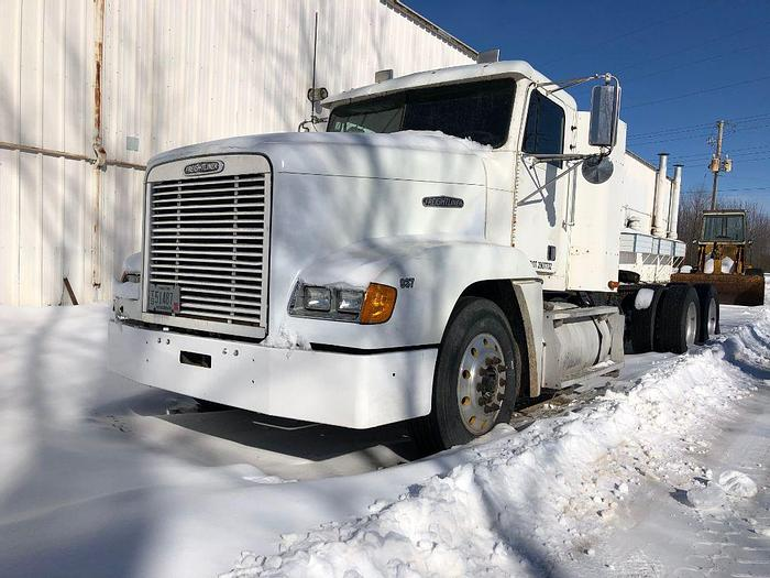 Used 2002 Freightliner FLD120