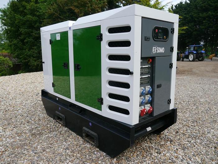 Used SDMO R110C3 Generator