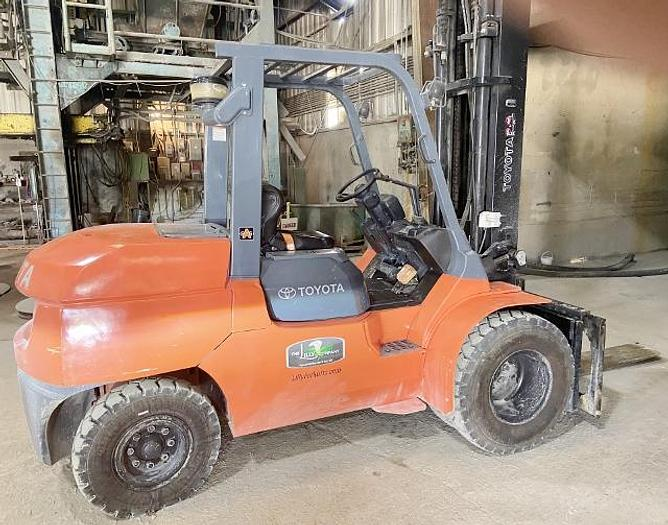 Used 2020 Toyota 11,000 lb Forklift