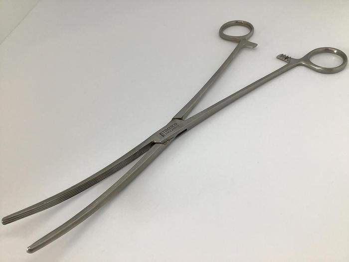 Used Forceps Artery Crafoord Longtitudinal Serrations Curved 260mm