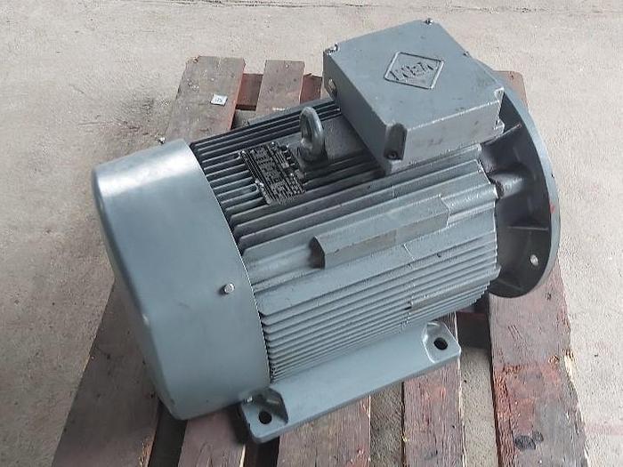 Gebraucht Elektromotor mit Flansch und Fuss, K21R 200LX6 TWS HW, 22KW, 965 rpm, VEM,  gebraucht