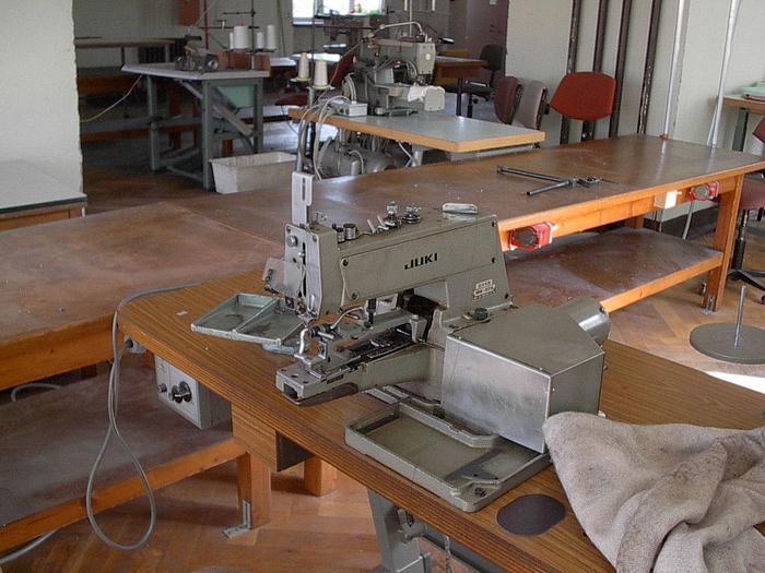 Gebraucht Knopfannähmaschine  JUKI   MB 372 - 2+4-Loch, Ösen