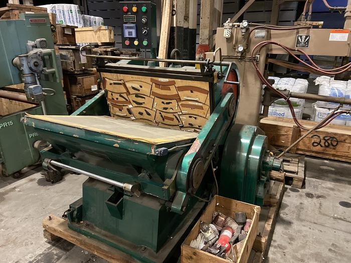 Used MAIXIS INDUSTRIAL CORP CLAMP PRESS
