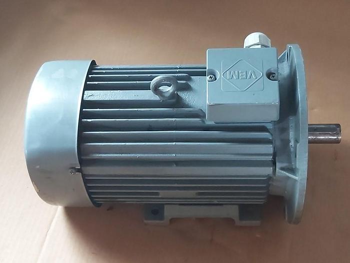Gebraucht Elektromotor mit Flansch und Fuss, IE2- WE1R 100 LX 4, 3 KW, 1455 rpm, VEM,  gebraucht-Top