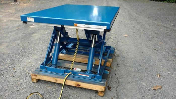 Vestil 3500 Lbs Scissor Lift Table