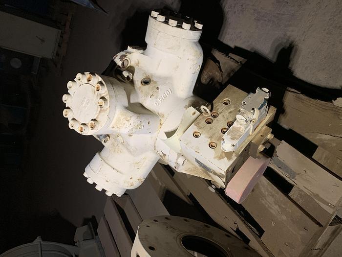Kawasaki Heavy Industries High Torque Hydraulic Motor; Radial Piston Type