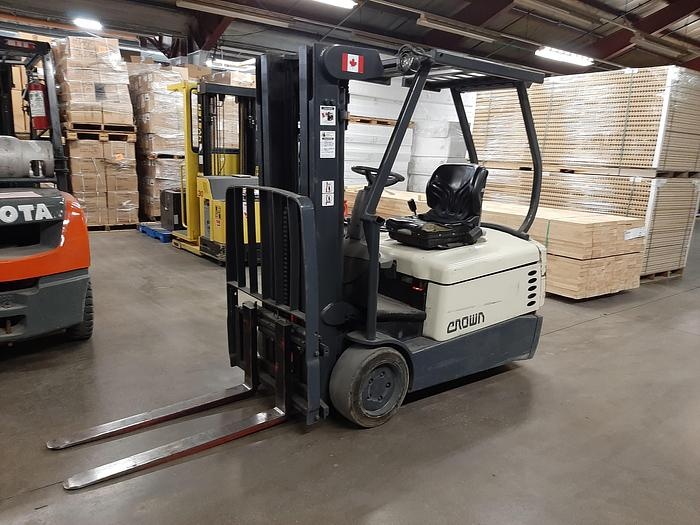 Used 2001 Crown SC4040-40 3 Wheel Electric Forklift