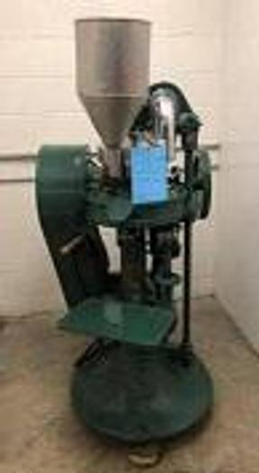 Used STOKES RB2-16 STATION ROTARY TABLET PRESS (#9642)