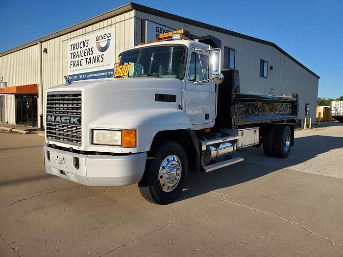 Used 1995 Mack CH612