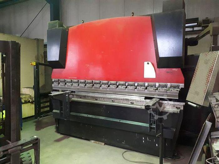 Gebraucht 2007 YAWEI PBH160-3100-7C CNC Abkantpresse