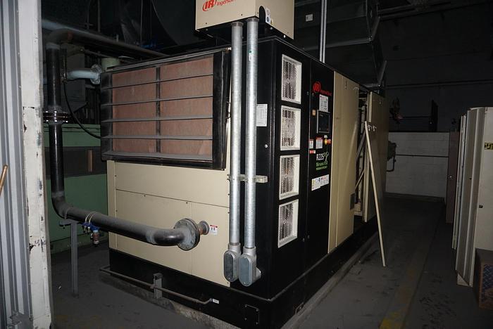 Used INGERSOLL RAND R225NE-A NIRVANA VSD 300 HP AIR COMPRESSOR MFG 2014