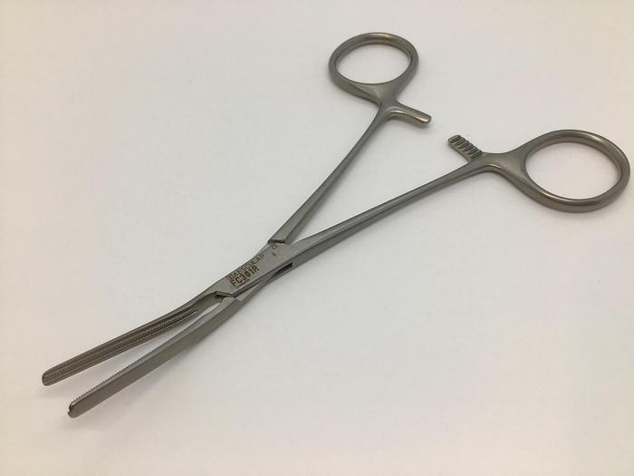 Used Clamp Atraumatic Dardik Multipurpose Jaw 30mm 15 Degrees 150mm