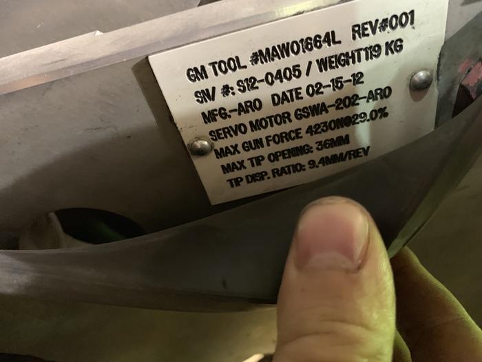 FANUC R2000iB/210F 210KG X 2655MM REACH 6 AXIS CNC ROBOT W/R30iA CONTROLS WITH ARO SERVO GUN