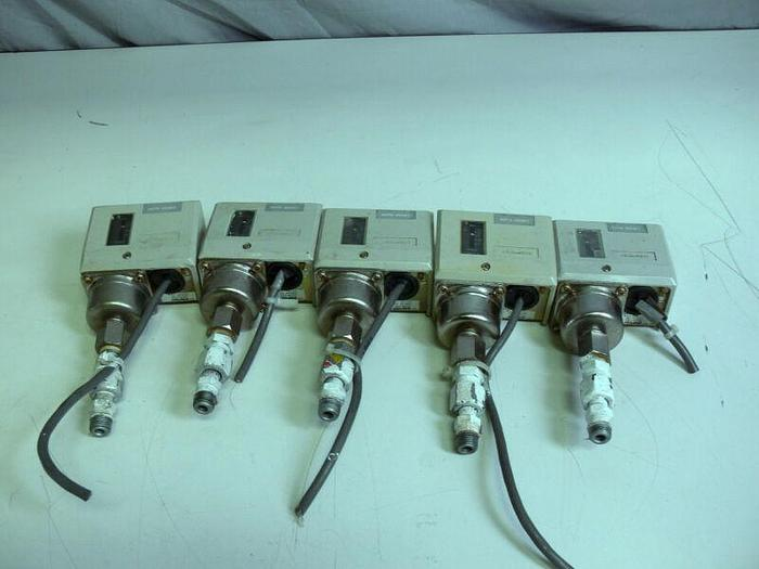 Used Lot of 5 - Saginomiya FNS-C101Q003 Pressure Control