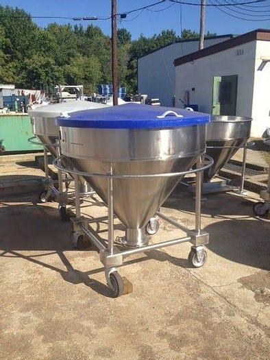 Used 200 GALLON (26 CU. FT.) UTENSCO TOTE TANKS – T-316 S/S (18 AVAILABLE)