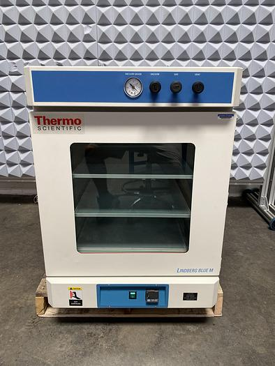 Used Thermo Fisher Lindberg/Blue M  VO1824A 4.5 Cu.Ft. Vacuum Oven 6°C to 260°C 120V