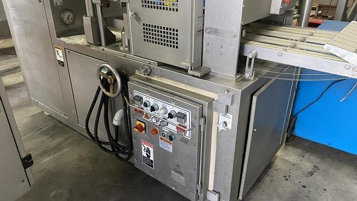 Used Formax F19 forming machine