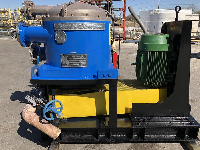 Used BLACK CLAWSON UV 100 PRESSURE  SCREEN  S/S  40HP