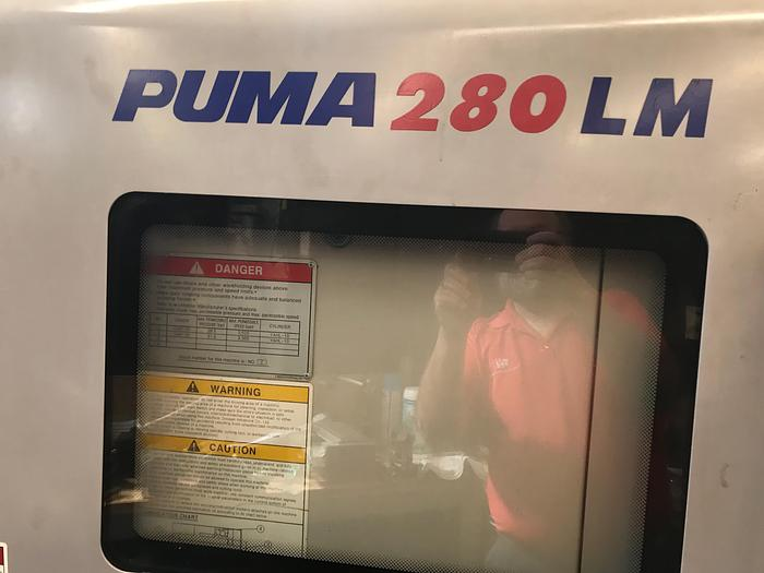 2006 Doosan Puma 280LM Multi-Axis turning Center
