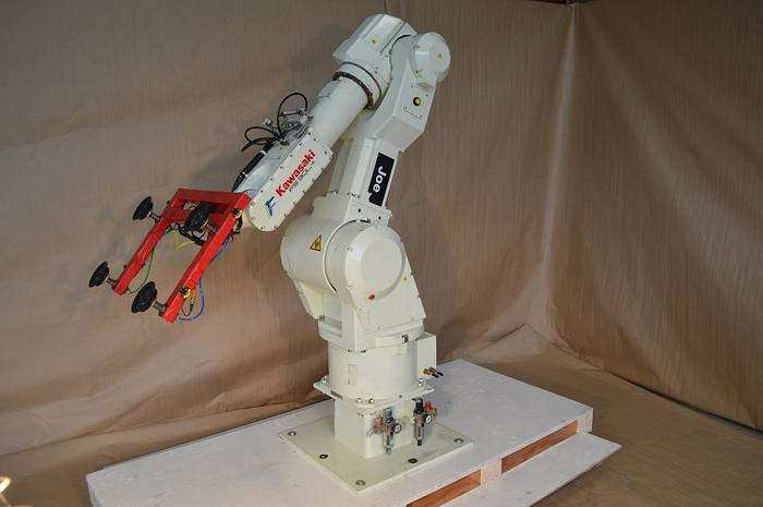 "Used robot-Kawasaki FS 030L with ""D+"" (D Plus) controller"