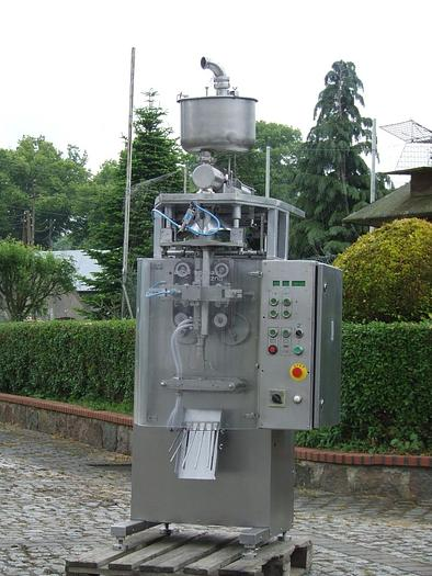 Używane Maszyna do pakowania produktów płynnych - ASG-3