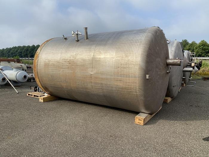 Usata Serbatoio con fondo conico, da 31500 litri, con agitatore laterale