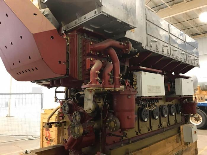 Mak 6M25C marine propulsion engine unused with spares and certificates.