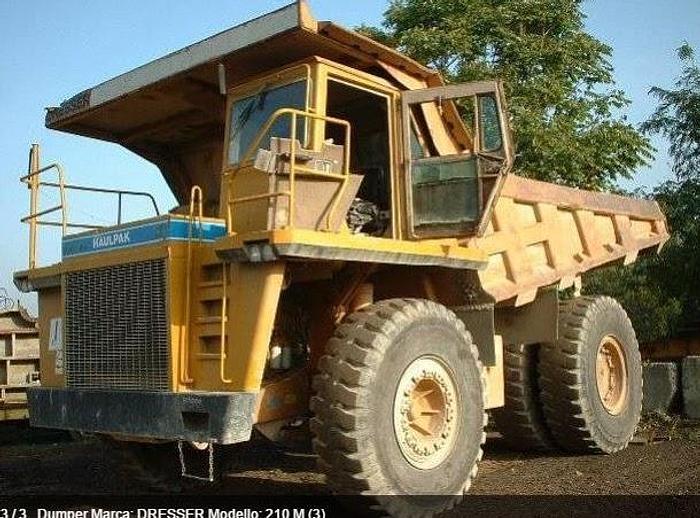 Usata Dumper, DRESSER 210 M