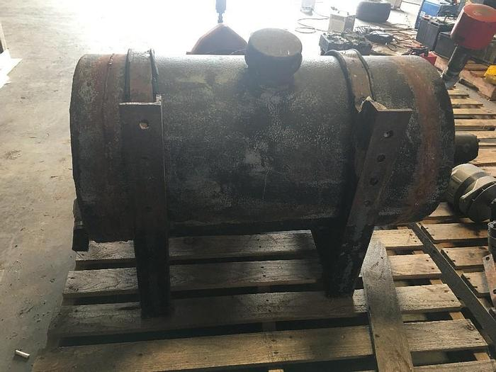 "GOOD USED HYDRAULIC TANK, 45 GALLON CAPACITY, 36"" LENGTH, 20"" DIAMETER"
